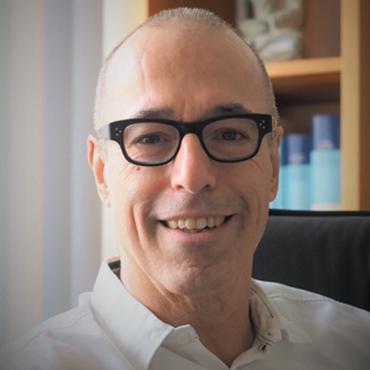 Dr. med. PAUL A. GROSS
